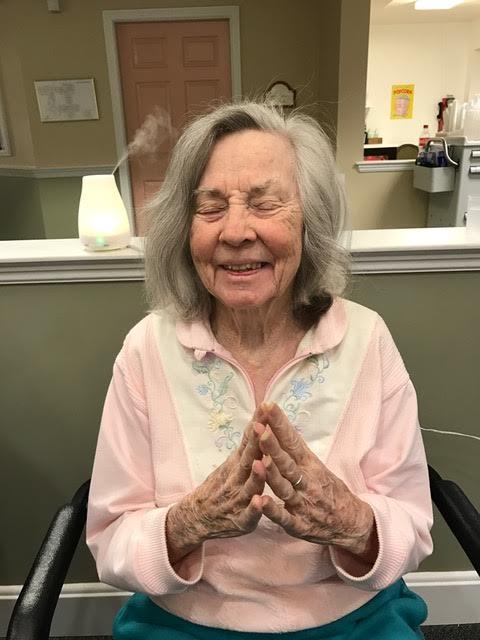 Aromatherapy Programs for Seniors