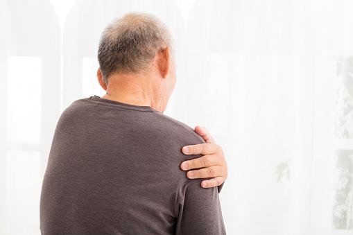 Treating Shoulder Pain in Seniors